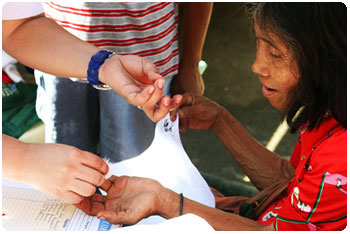 PAGCOR health mission in communities in Ipo Dam