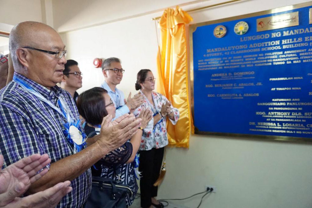 Mandaluyong receives new multi-storey building as new school year opens