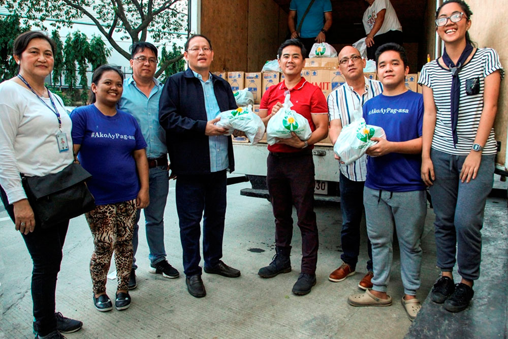 PAGCOR brings relief to families in flood-hit towns in Central Luzon, Pangasinan
