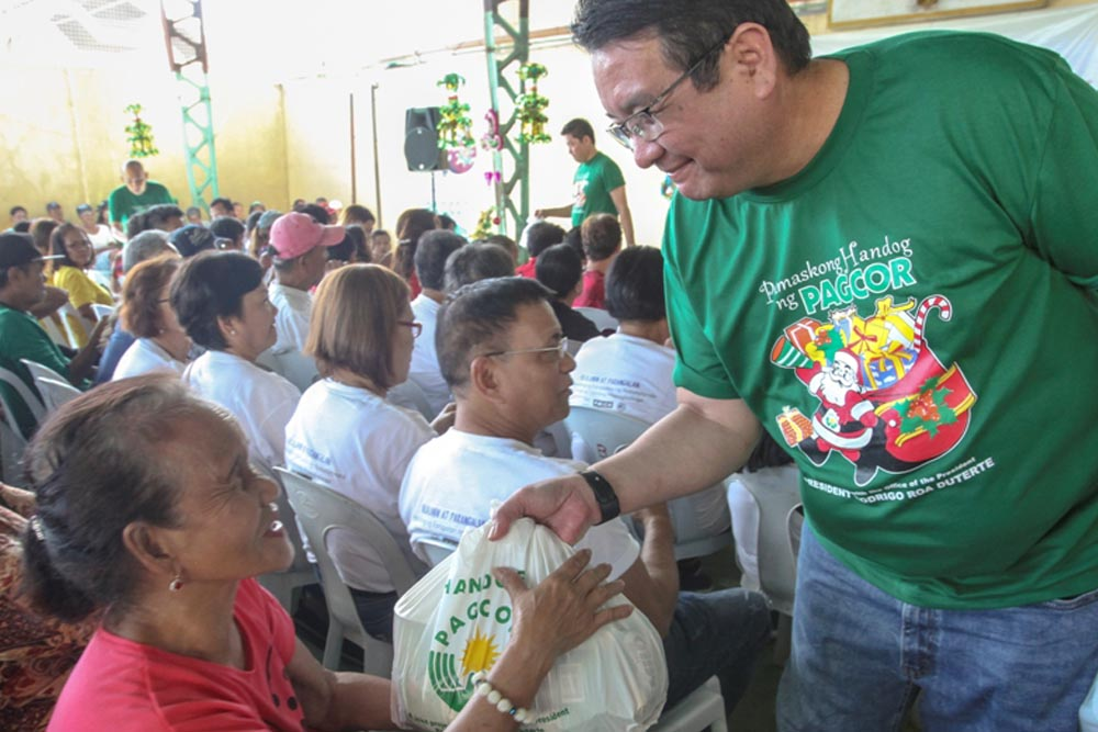 PAGCOR delivers Christmas joy to Pampanga elders