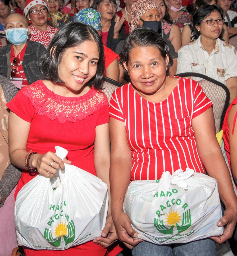 PAGCOR makes Christmas merrier for breast cancer patients
