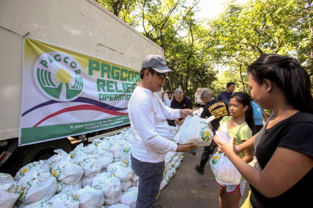 PAGCOR provides aid to fire victims in Quezon City and Parañaque