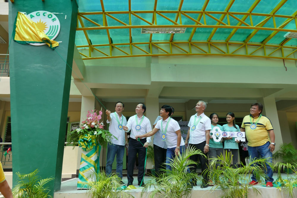 Two public schools in Cebu receive multi-storey buildings from PAGCOR